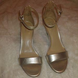 Silver Naturalizer heels 9w